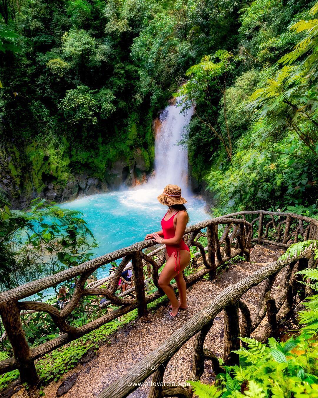 El Mágico Río Celeste De Costa Rica